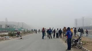 Playing cricket during fog