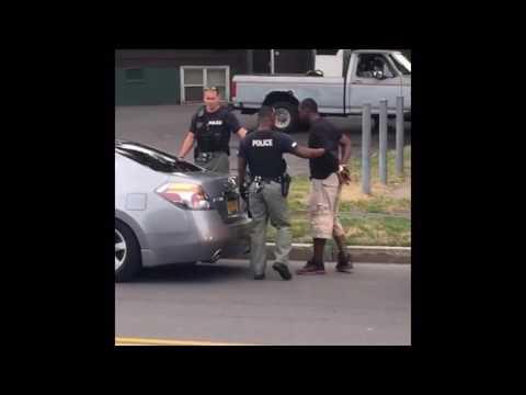 Syracuse cop arrests man recording