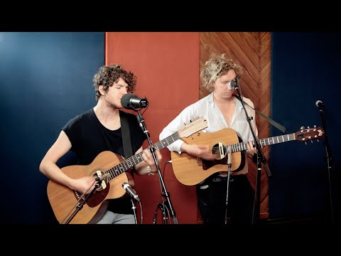 """Naive"" Acoustic from The Kooks"