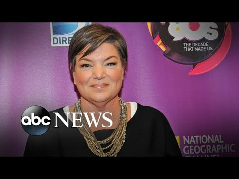 'Facts of Life' star Mindy Cohn reveals her breast cancer battle