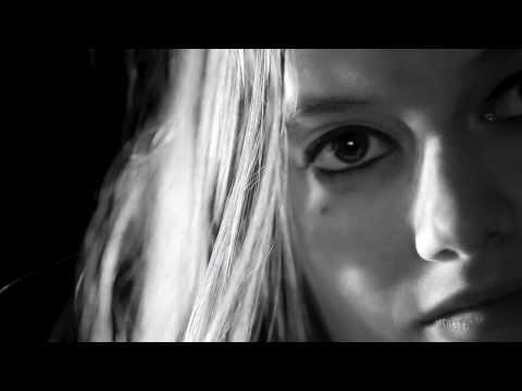 Les Fatals Picards - Gros Con -  Violences Femmes info appelez le 3919