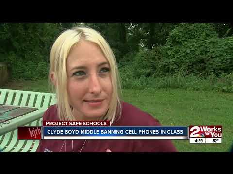Clyde Boyd Middle School bans cell phones during school hours