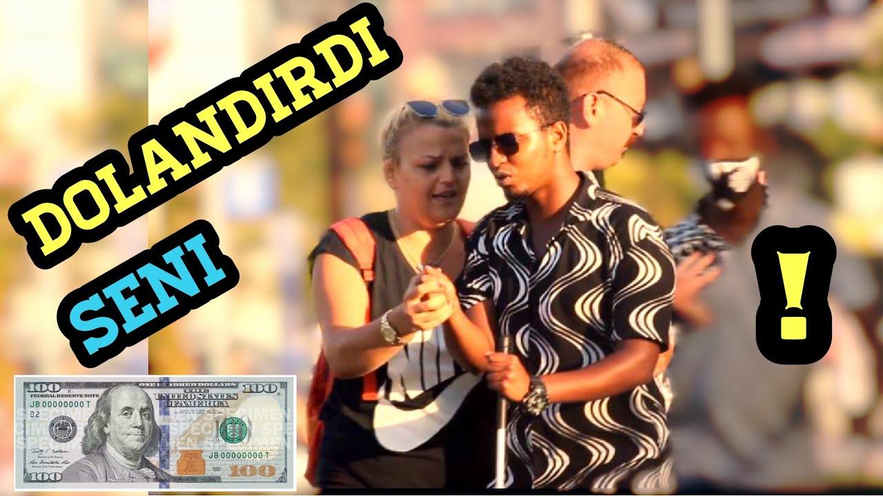 Paramı almak istiyor yardım edin!!?? Social experiment In Turkey | Inuu dhaco ayuu rabaa!!!!