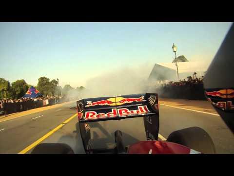 F1 2011 - Red Bull demo in New Delhi (Rajpath) - Daniel Ricciardo - Clip