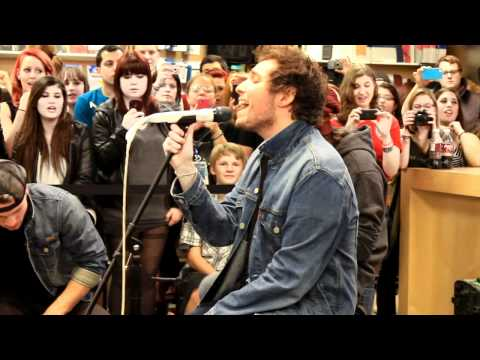 Liquid Confidence - You Me At Six @ Apple Store acoustic (HD)