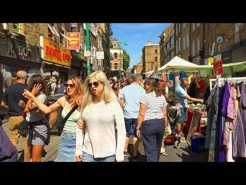 London Walk - BRICK LANE MARKET on a Sunday - England, UK