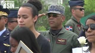 Video íntegro: Dan último adiós a piloto de FFAA que murió en accidente en la frontera