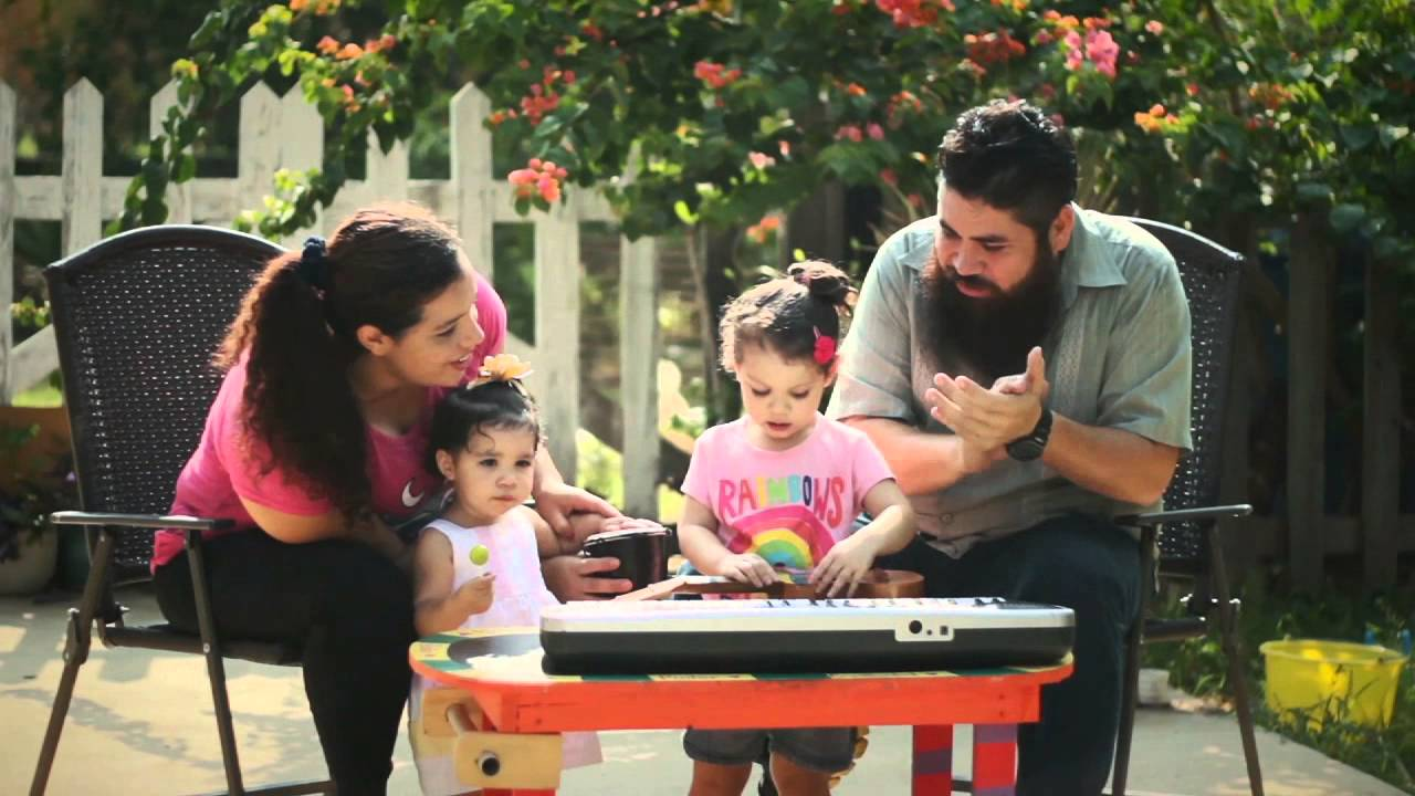 Celebra tu familia: Día de la Familia 2014 Publicidad de