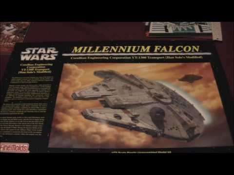 Millenium Falcon unboxing video