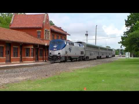 Southbound Amtrak at Gainesville Tx (With Radio)