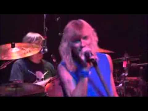 Kix - Don't Close Your Eyes (Live)