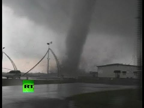 Storm chasers video of Tornado smashing all on its way in Oklahoma