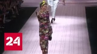 Полвека - не возраст: Карла Бруни и мать Илона Маска вышли на подиум Недели моды в Милане - Россия…