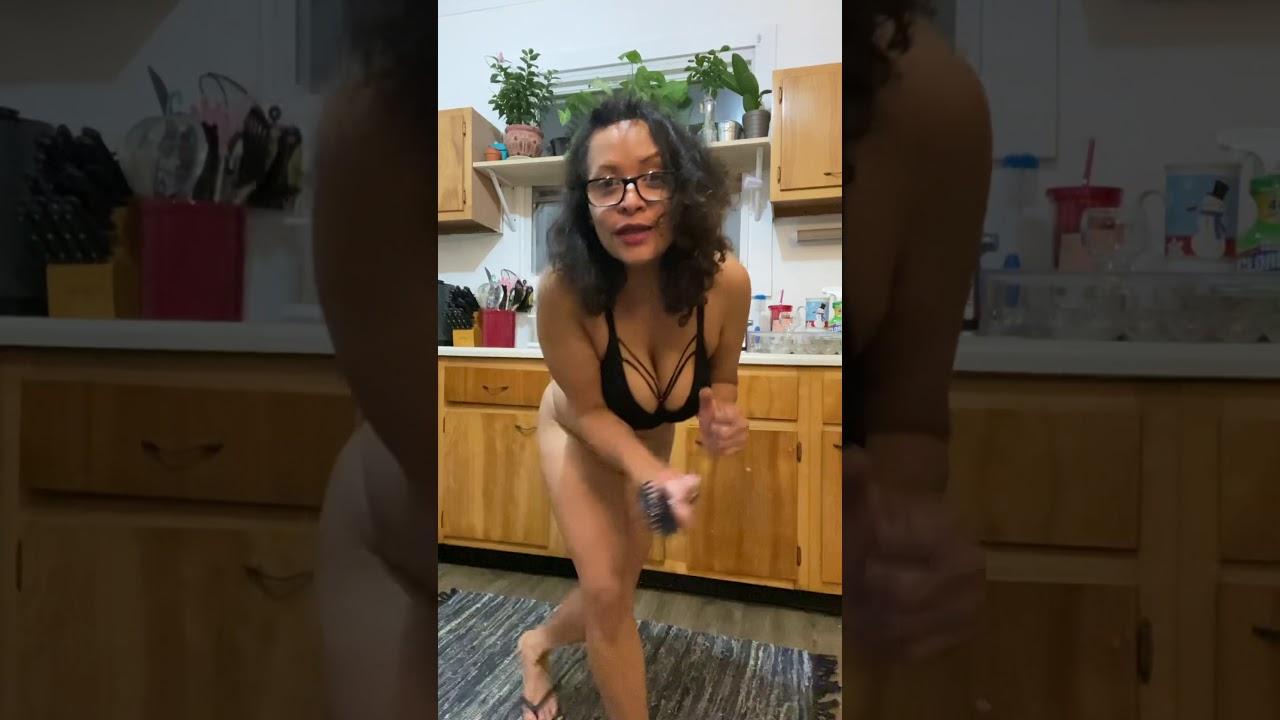 Sexy Dominican Latina Mature MILF - YouTube