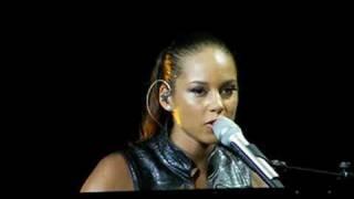 """Alicia Keys """"Sure looks good to Me"""" Summerfest Tue 07-01-200"""
