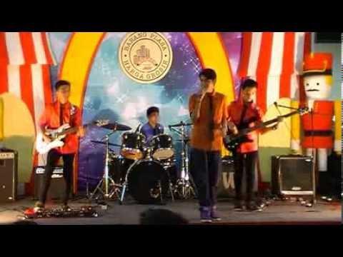 Star Project (Band Pelajar Surabaya) live @JMP Sby, Tompi: Menghujam jantungku