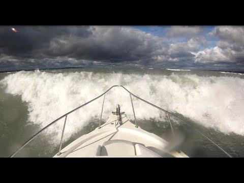 Sea trial Striper 2601 in big waves