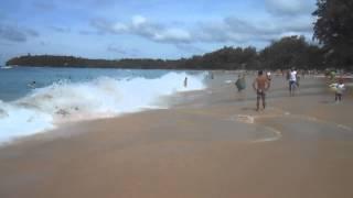 Волны на пляже Ката. Пхукет. Таиланд. Ноябрь 2014 г.