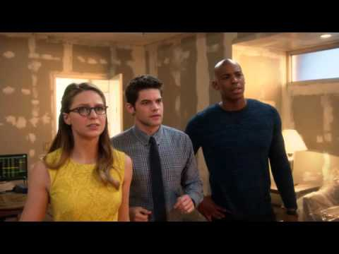 Barry explains multiverse to team Supergirl