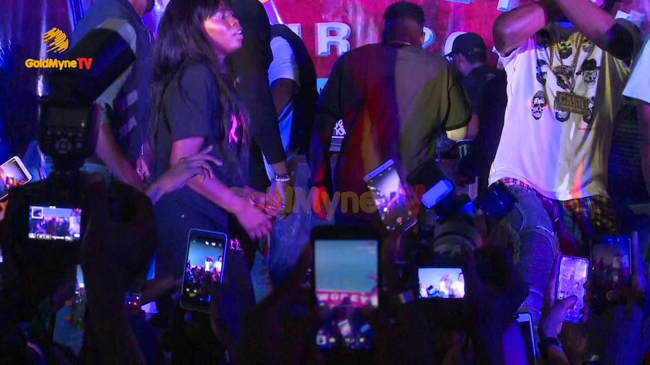 Download NAIRA MARLEY, OLAMIDE, AND LIL KESH PERFORMS ISSA GOAL AT DJ ENIMONEY'S THE WOBEYDJ TOUR 2018 UNILAG