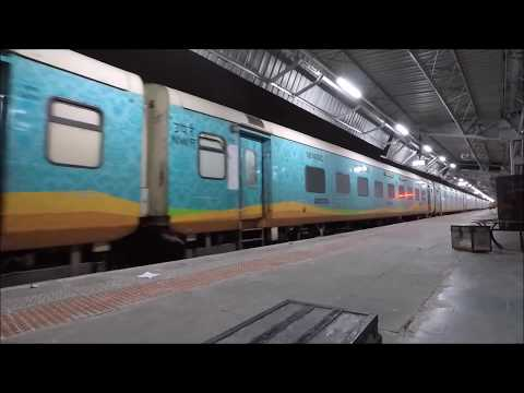 Jodhpur Station - Night Arrivals And Departures, Royal Rajasthan On Wheels Surprise !!