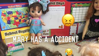 BABY ALIVE Mary has a accident at school!😖 School episode!