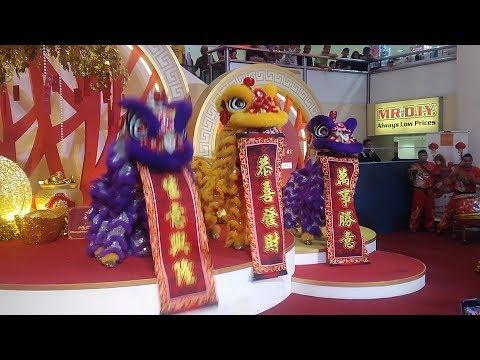 Lion Dancers at Sungei Wang Plaza
