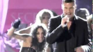 Ricky Martin - Drop It On Me - Live @ Victoria