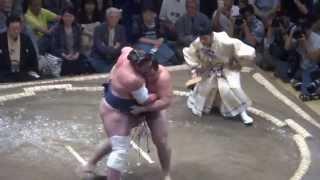 20150913 大相撲秋場所初日 鶴竜 VS 栃ノ心.