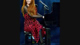 Tori Amos Live April 2009 - Acoustically attracted to sin- Curtain Call