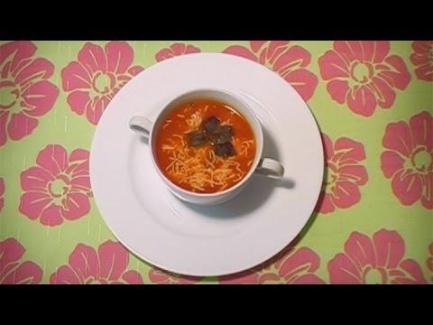 Томатный суп ... с макаронами! Студенты, запоминайте!