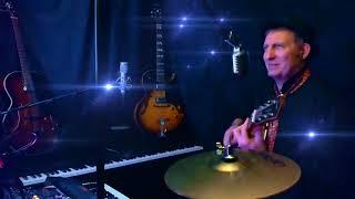 C est la meme Chanson en Live au Studio chant et guitare acoustic by Dadymilles