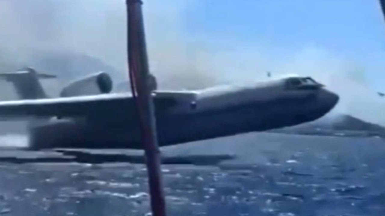 Huge Plane REFILLS Near Boat - Daily dose of aviation