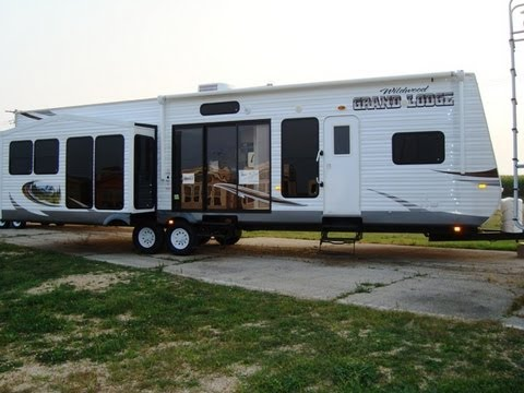 Marvelous 2013 Wildwood Grand Lodge 408REDS 1 Bedroom Deluxe Travel Trailer Home Design Ideas