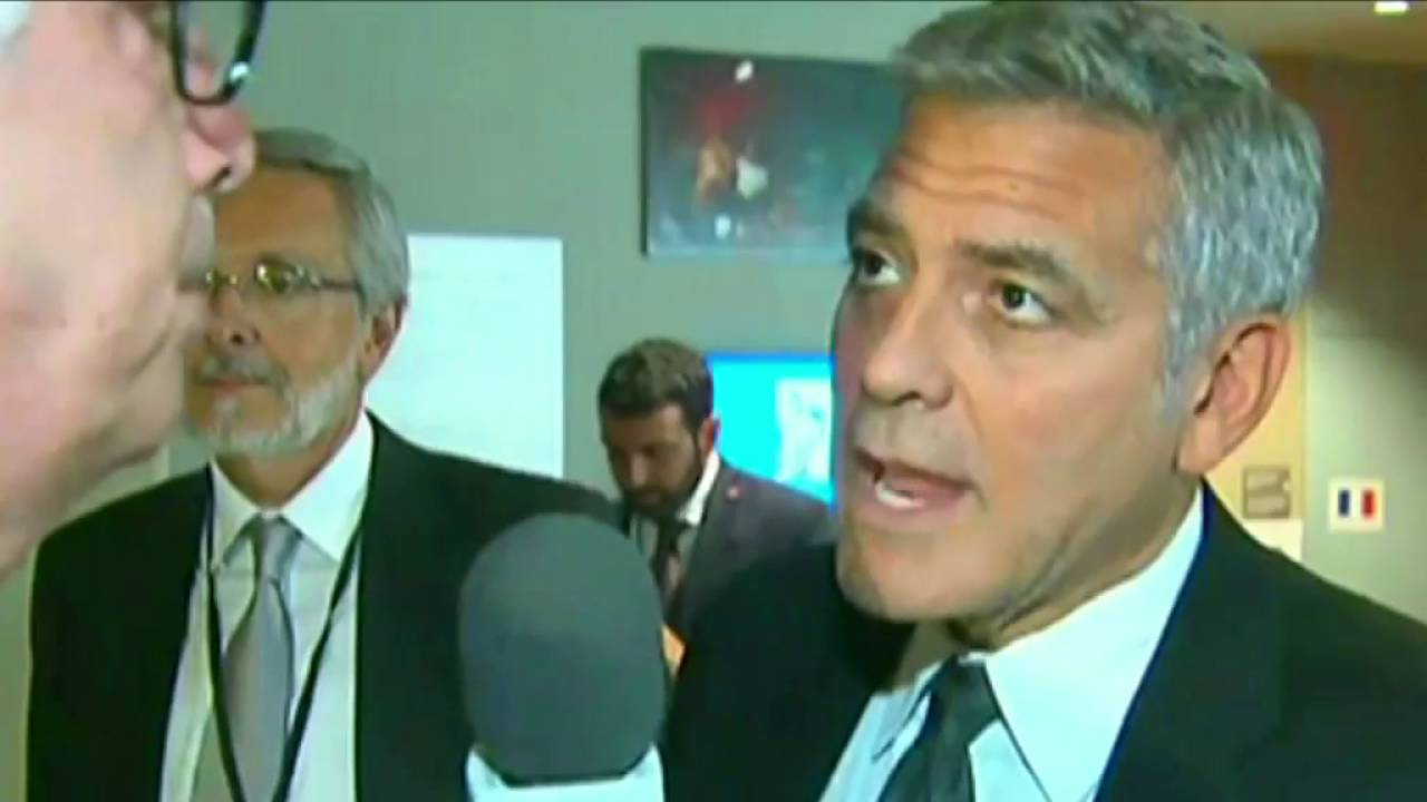 George Clooney finds out about Wayne Bennett divorce - YouTube