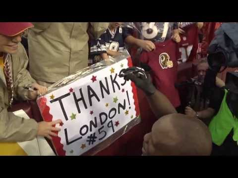 LB London Fletcher says farewell to fans after his last game at FedExField.