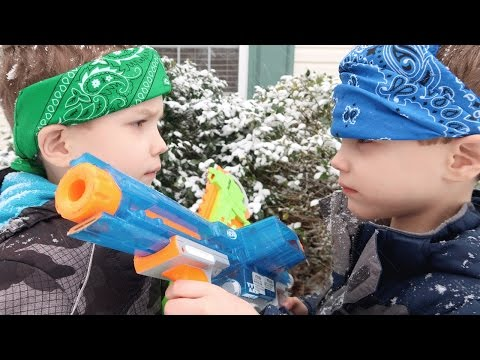 Nerf War:  Elite vs Z Strike