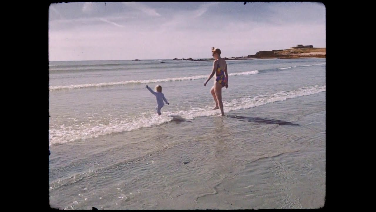 Robyn Sherwell - Sand In My Shoes (Official Video)