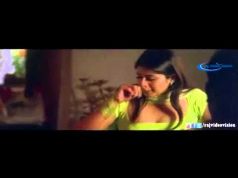 Desi Sangeetha aunty seducing young boy thumbnail