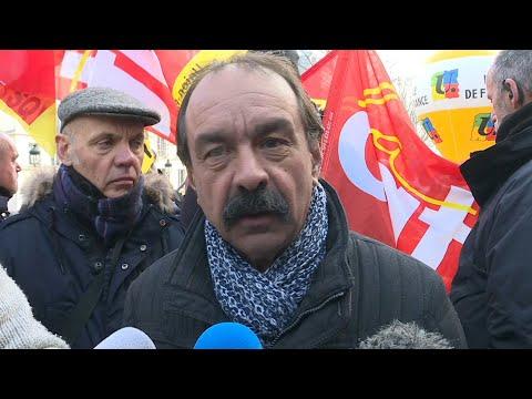 AFP: Martinez dénonce les propos de Macron sur la violence   AFP Extrait