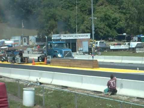 Volvo Powertrain Drag Truck (Hagerstown, MD) - YouTube