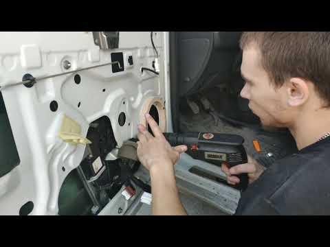 Renault Duster подробная замена штатных динамиков с 13 на 16