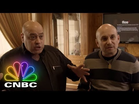 Staten Island Hustle: Hustling Is A Lifestyle And This Crew Means Business | CNBC Prime