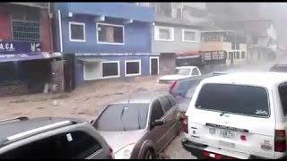 Violentas Inundaciones arrasan en Petare, Caracas, Venezuela | 21 de abril 2016(VÍDEOᴴᴰ |   #  VENEZUELA  : Violentas Inundaciones arrasan hoy en Petare, Caracas. Ver vídeo en facebook: ..., 2016-04-22T03:39:17.000Z)