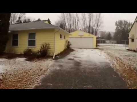 """""""Roseville Homes For Rent"""" 3BR/1BA by """"Roseville Property Management"""""""