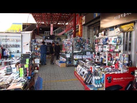 Second Hand Electronics For Sale At Yongsan Flea Market In Seoul, South Korea