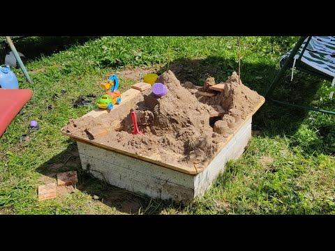 Рассказываю как сделал небольшую песочницу для ребенка