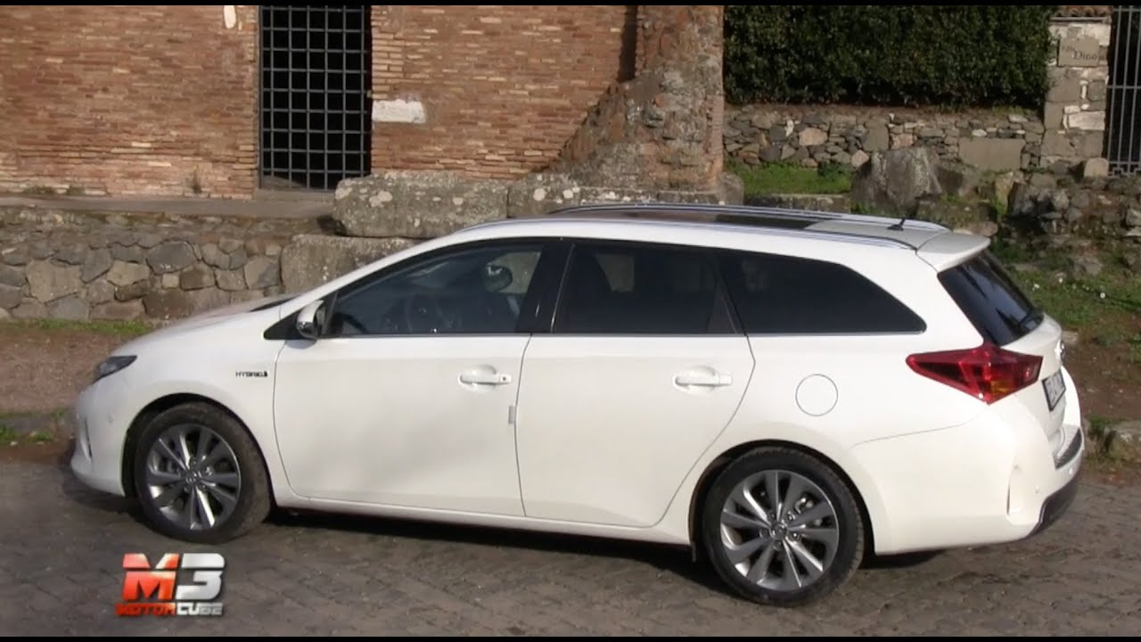 Toyota Auris Hybrid Touring Sports 2014 Test Drive Youtube