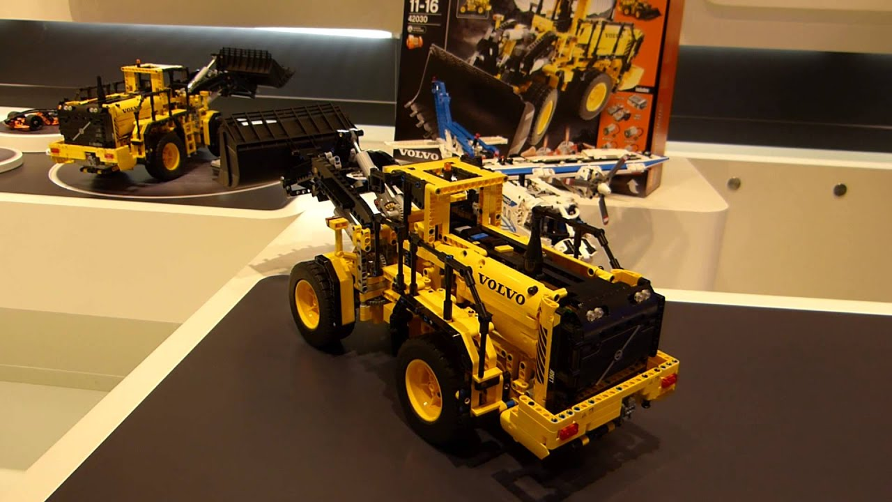 spielwarenmesse 2014 lego technic volvo buldozer 42030. Black Bedroom Furniture Sets. Home Design Ideas