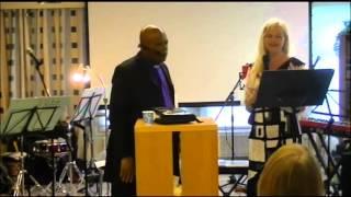 Ilo saapuu Kaupunkiin - Hämeenlinna - Samuel Ndibechkwu 6.9.2014